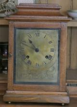 ca. 1920's oak British made Jerome mantle clock