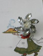 vintage estate jewelry: tiny pin brooch