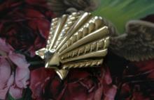estate jewelry: vintage pin brooch