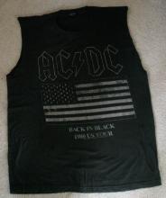 original size L T-shirt from 1980 AC/DC rock concert
