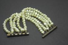 antique estate jewelry: pearl bracelet