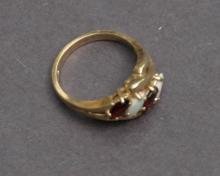 vintage estate jewelry: gold ring