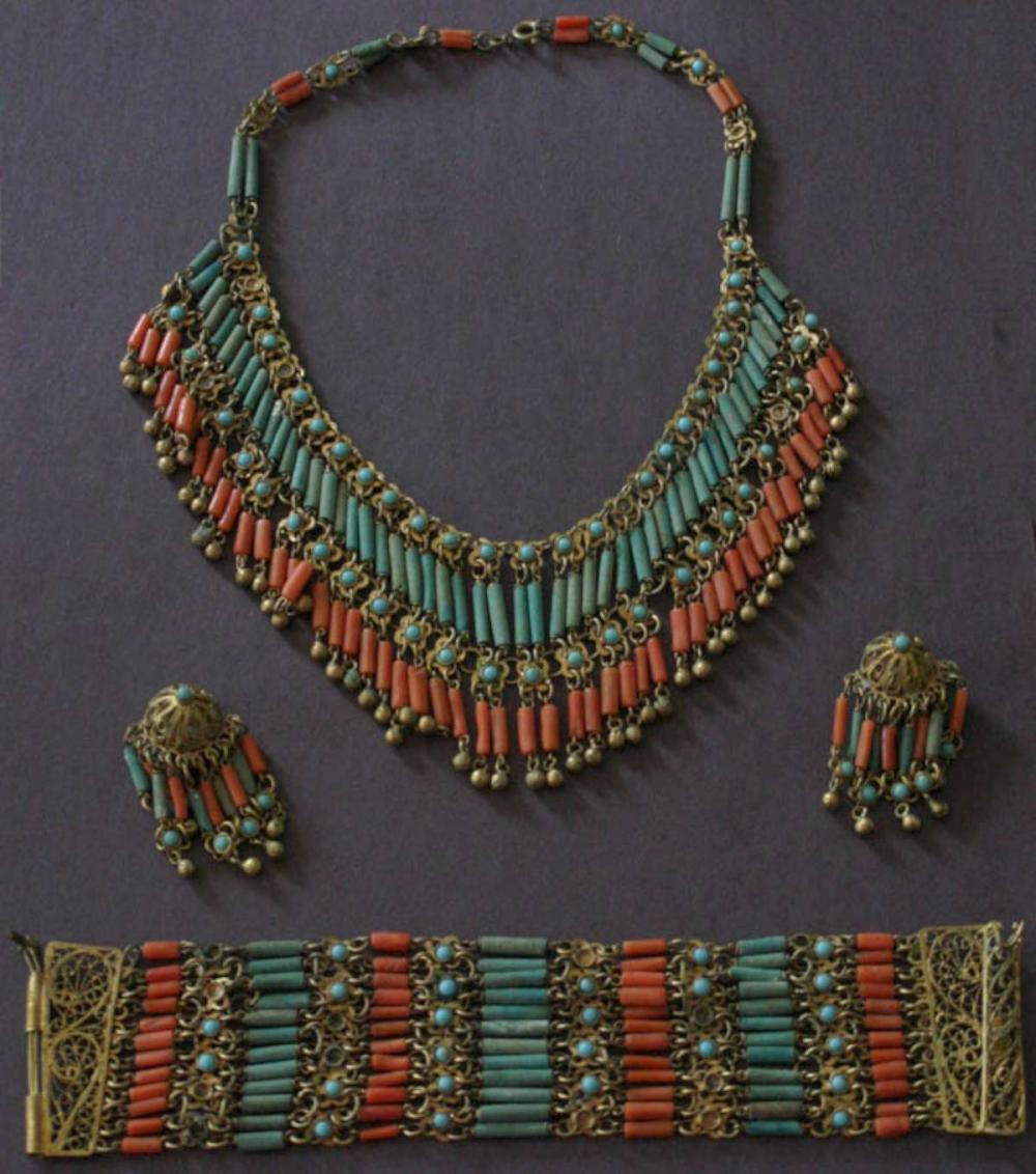 antique estate jewelry: coral jewelry suite