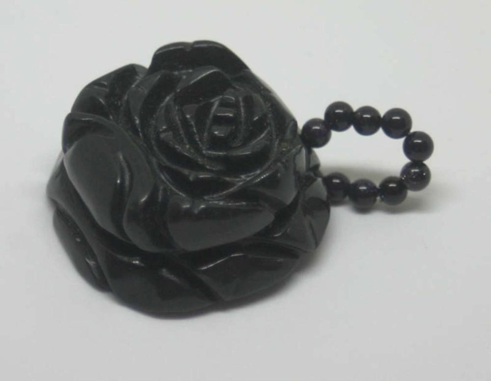 antique estate jewelry: stone pendant