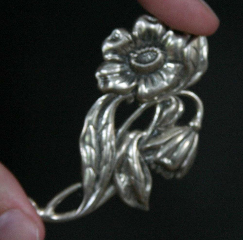 vintage estate jewelry: designer silver pin brooch