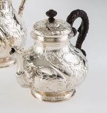 Dresdner Teekanne im Rokokostil