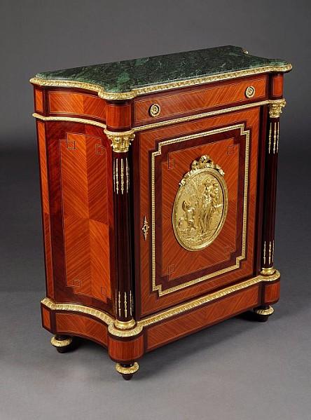 Kabinettschrank im Louis XV-Stil.