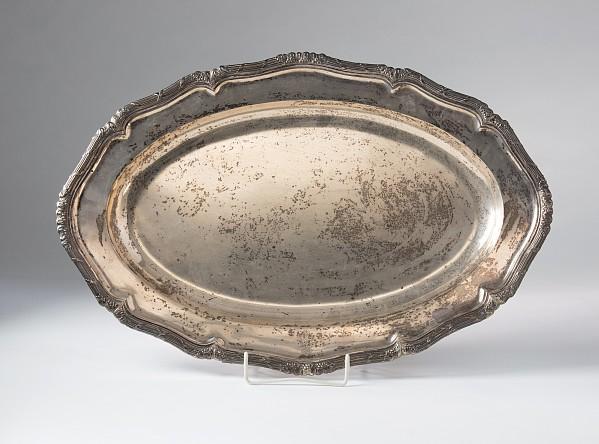 Große ovale Silberplatte
