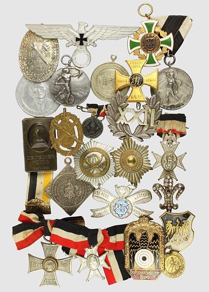 Konvolut von 25 Medaillen