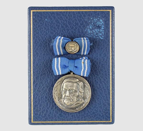 Clara-Zetkin-Medaille,