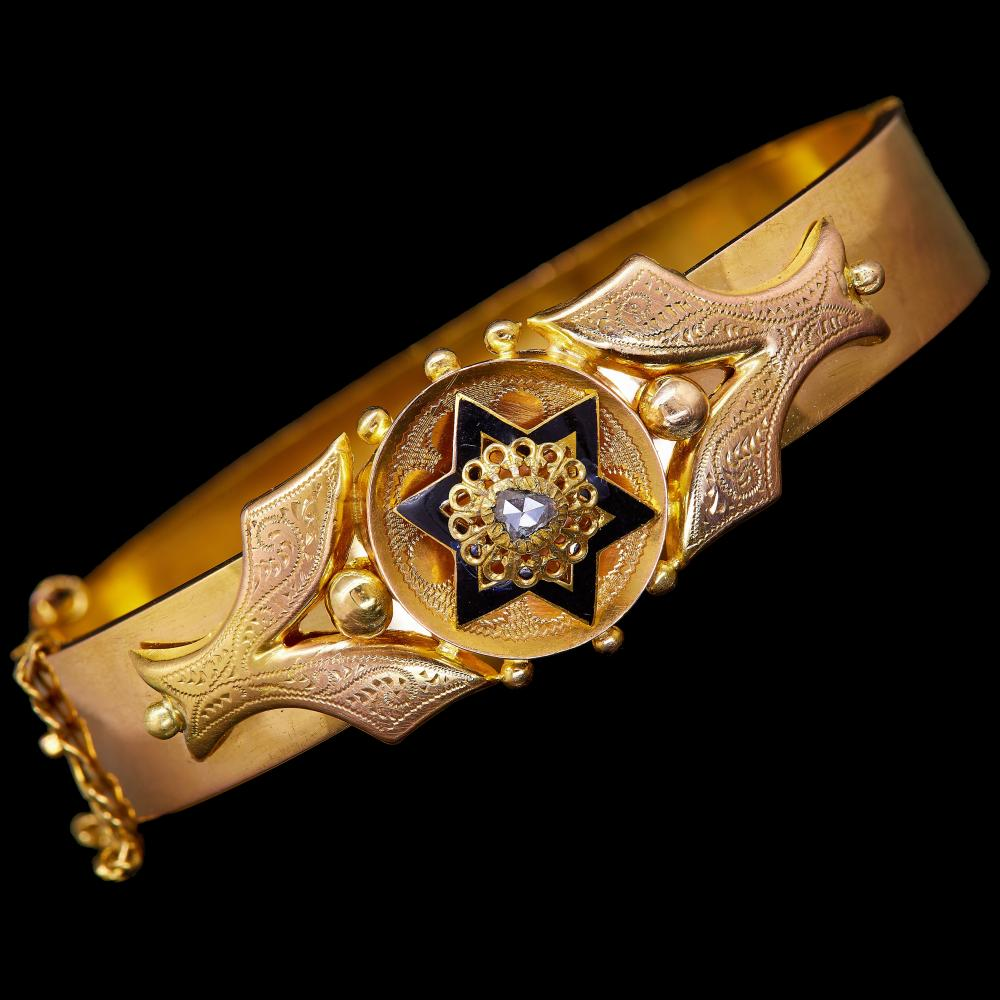 -NO RESERVE- ANTIQUE VICTORIAN DIAMOND AND ENAMEL HINGED BANGLE