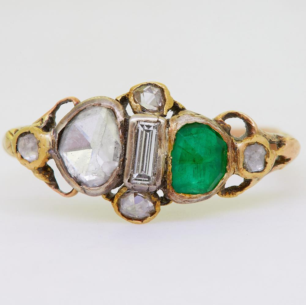 ANTIQUE GEORGIAN DIAMOND EMERALD AND ENAMEL RING