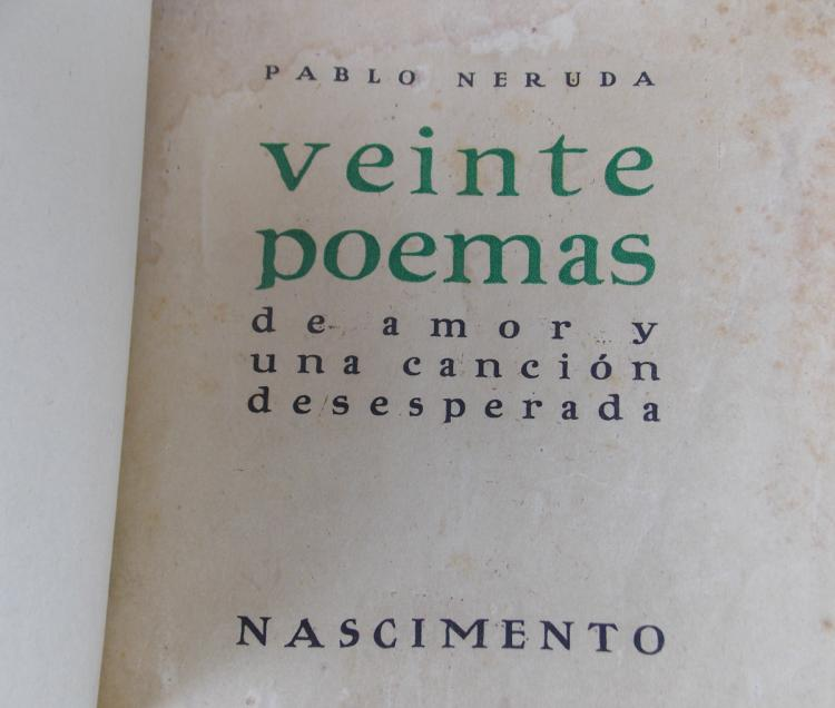NERUDA, Pablo: Veinte Poemas (…). Santiago - Chile. Edited by Nascimento. 1924. Binding in full leather, with its original covers. With moisture stains. // First edition.