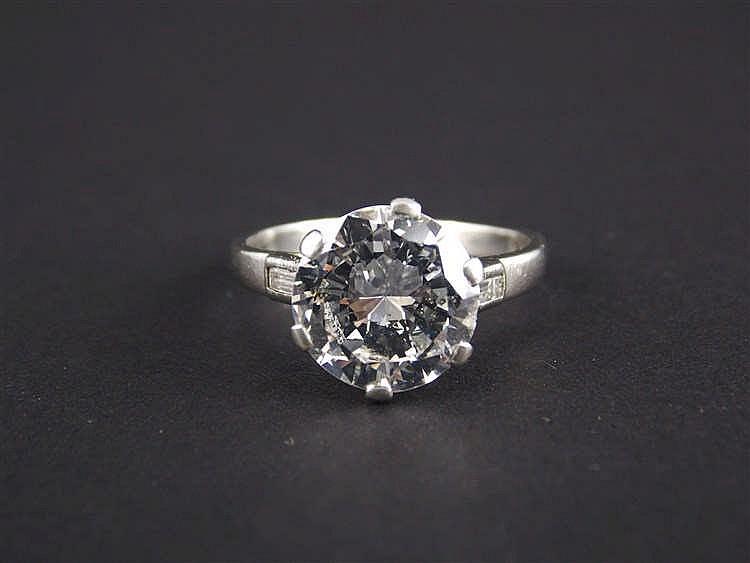 f193cf01a445 A DIAMOND RING