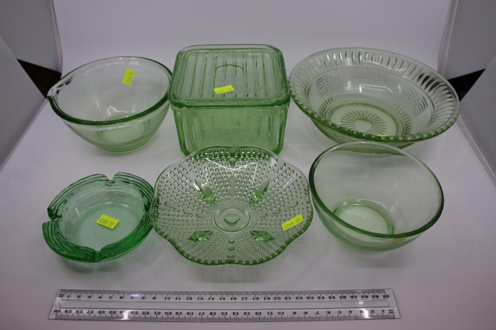 GREEN DEPRESSION GLASS ITEMS INCL BUTTER DISH WITH LID & MIXING BOWLS