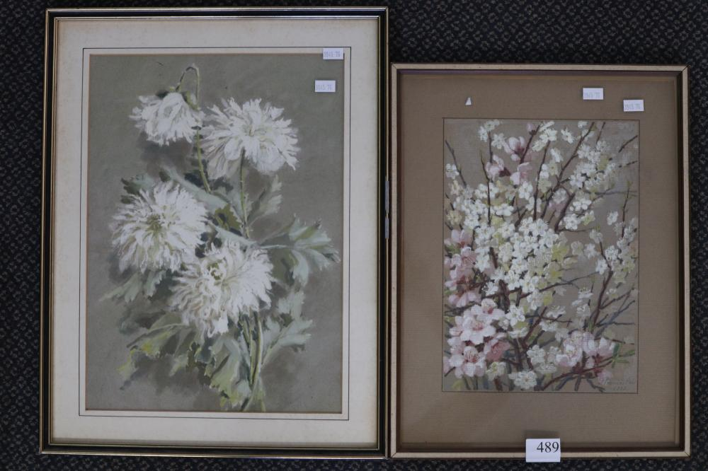 2 X UNSIGNED FRAMED FLORAL STILL LIFE WATERCOLOURS, 37 X 27CM & 28 X 20CM
