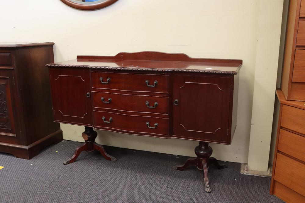 SOUTH AFRICAN MAHOGANY SIDEBOARD WITH CLAW FEET WITH 2 DOORS & 3 DRAWERS 145 X 45