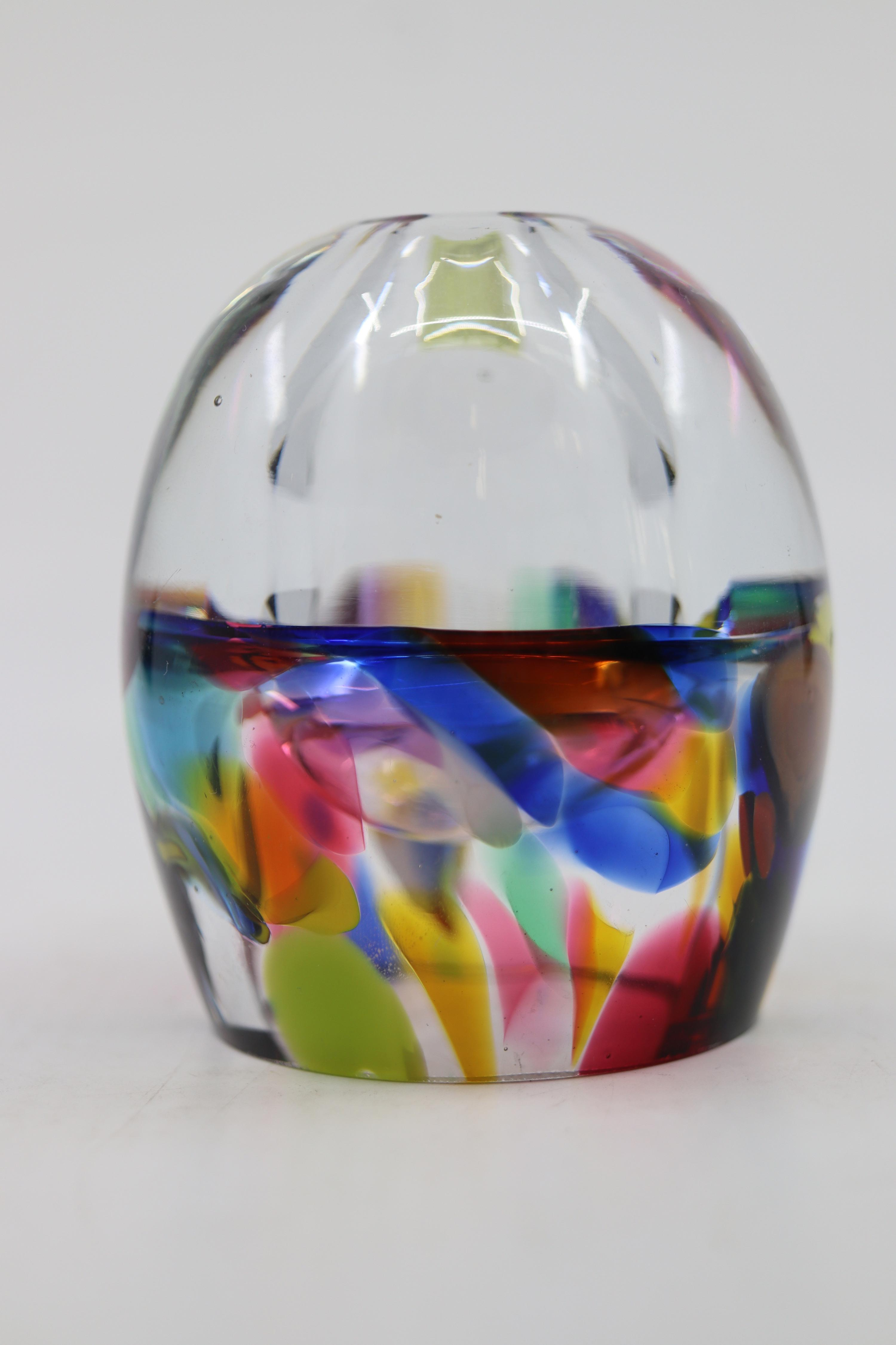 BEAUTIFUL ART GLASS BUD VASE/PAPERWEIGHT NO CHIPS CRACKS OR REPAIRS