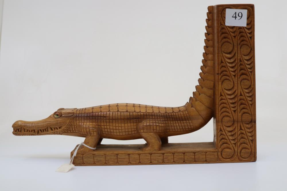 CROCODILE BOOK END CARVED FINE DETAIL PNG SEPIK C1960