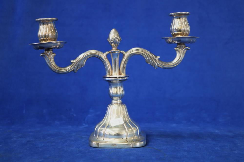 MAGNIFICENT PAIR OF CONTINENTAL SILVER 835 CANDELABRA'S 21 CM HIGH & 30 CM WIDE WEIGHABLE SILVER 800 GRAMS