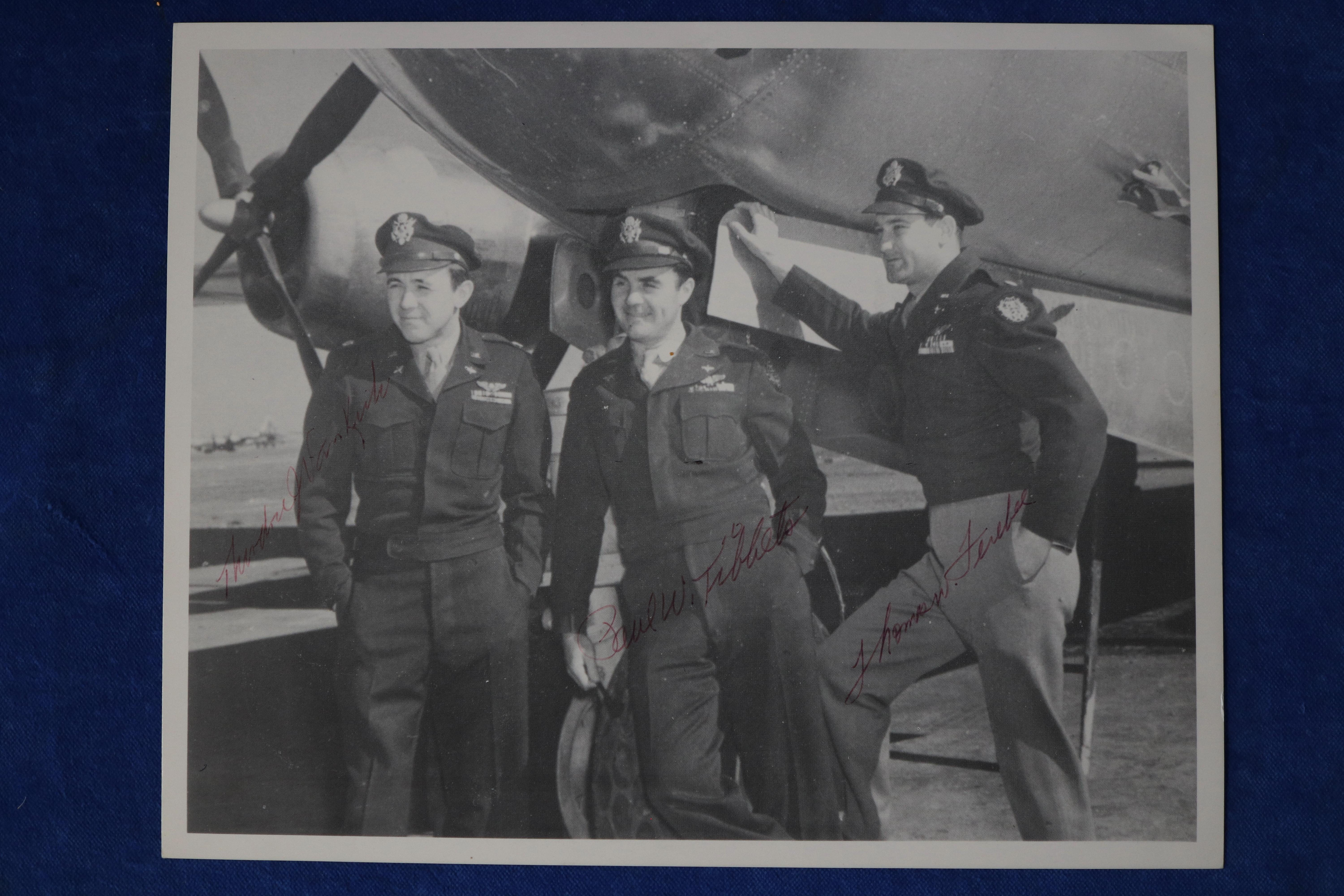 SIGNED BLACK & WHITE PHOTOS, ENOLA GAY FLIGHT CREW, SIGNED IN FOUNTAIN PEN BY PAUL TIBBETS, MORRIS JEPPSON AND THEODORE VAN KIRK, AUTHENTICITY CERTIFICATE FROM AMAOLINE 100118