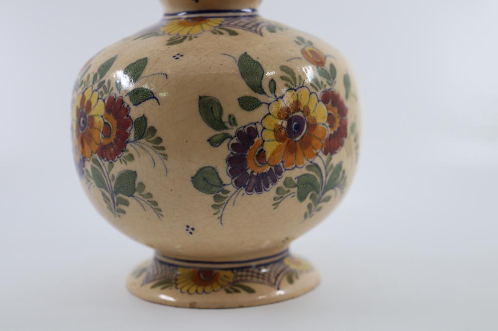 EARLY DELFT FLORAL STONEWARE VASE ( HAIRLINE)