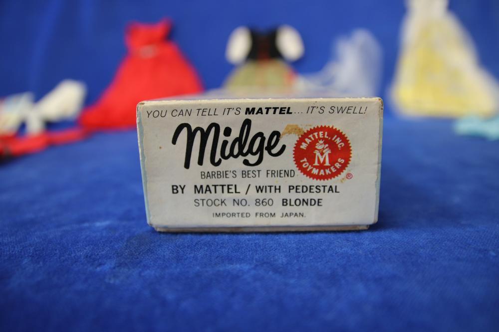 MATTEL 1962 MIDGE BARBIE'S BEST FRIEND #860 AND OUTFITS #871 #872 #1613 #1614 #1620 #1626 #1637 #1640 #1647