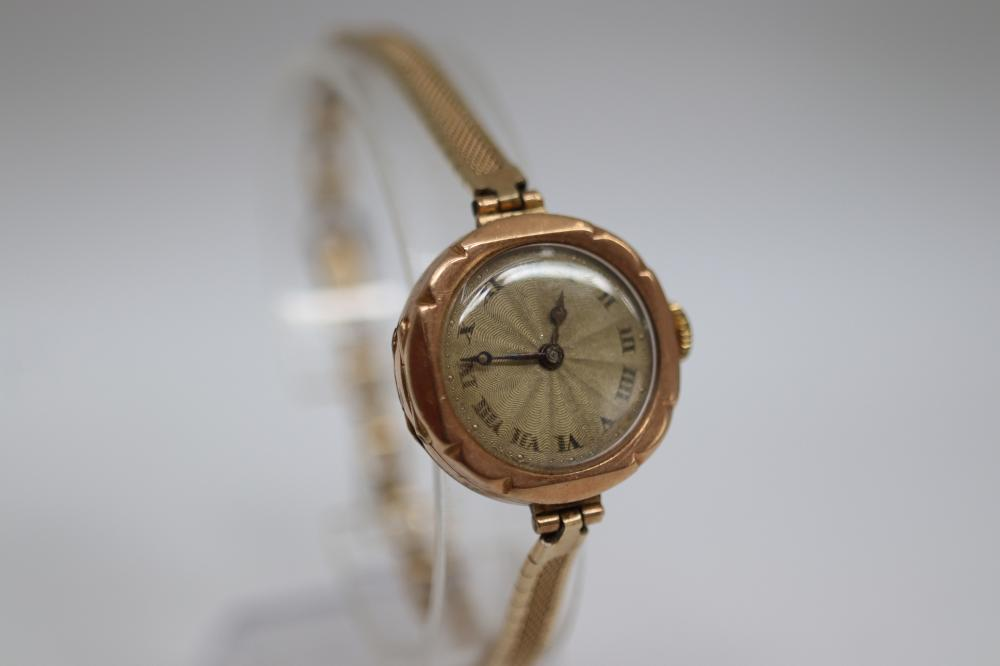 9CT GOLD CASED LADIES WATCH IN BOX