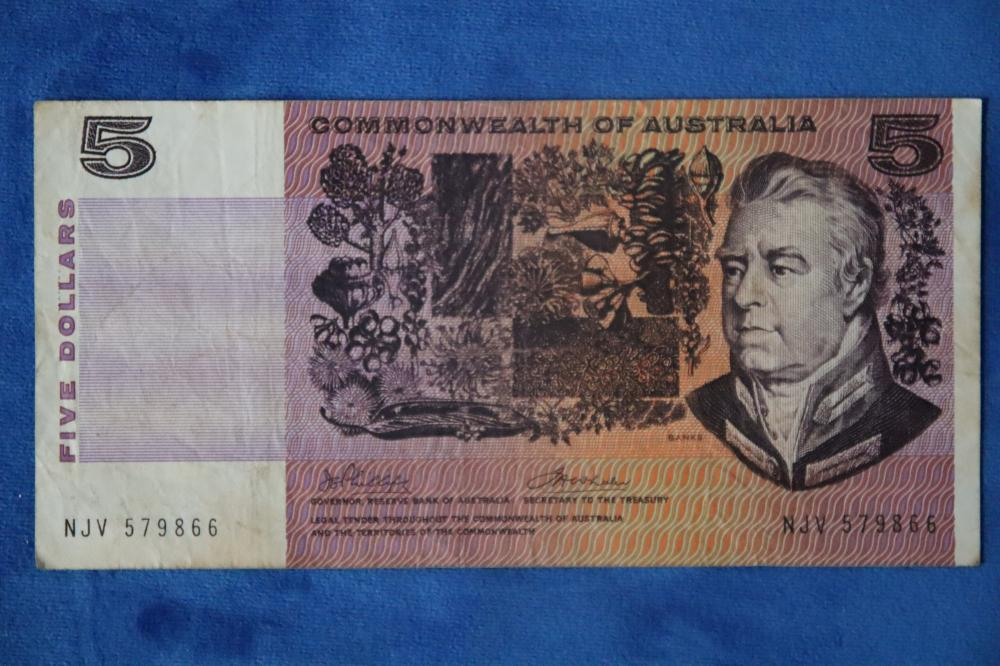 $5 COMMONWEALTH BANK NOTE