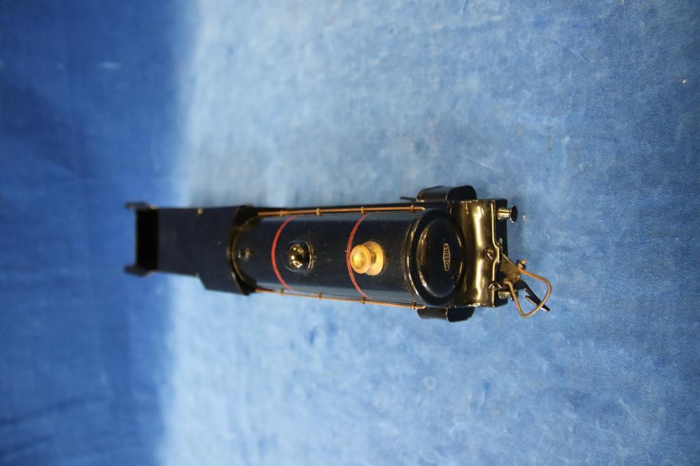 BLACK CLOCKWORK ROBILT 52 I GAUGE 0-4-0 LOCOMOTIVE WITH BOGEY AND KEY