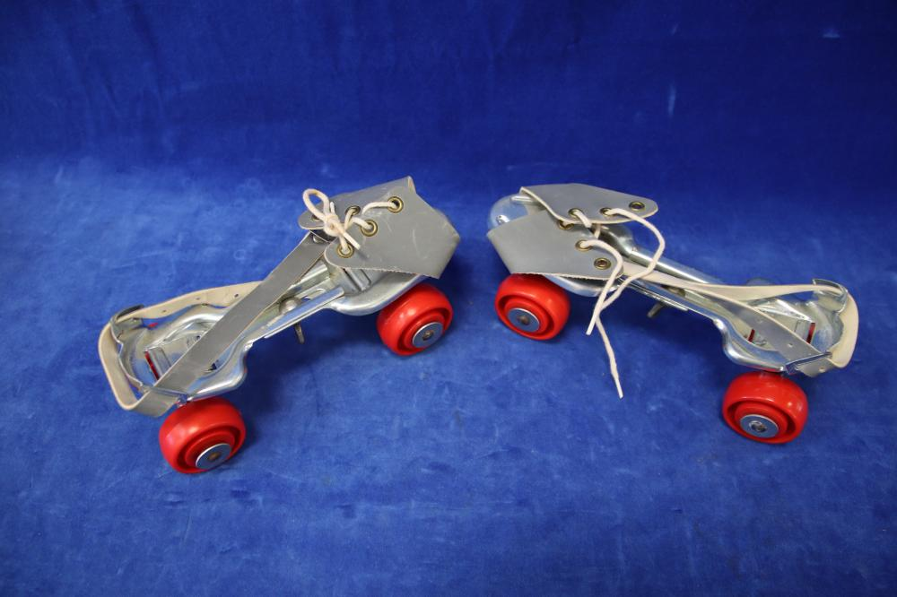 BOXED 1960'S ROLLER SKATES MADE IN ENGLAND