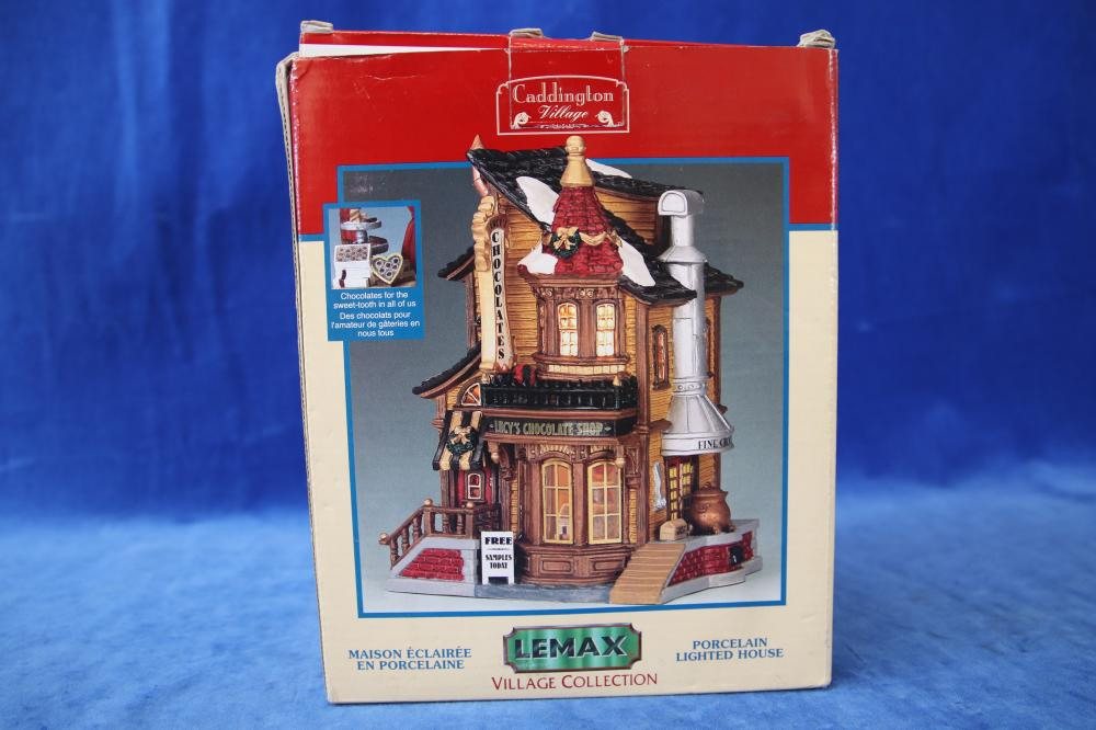 LEMAX LIGHTED HOUSE