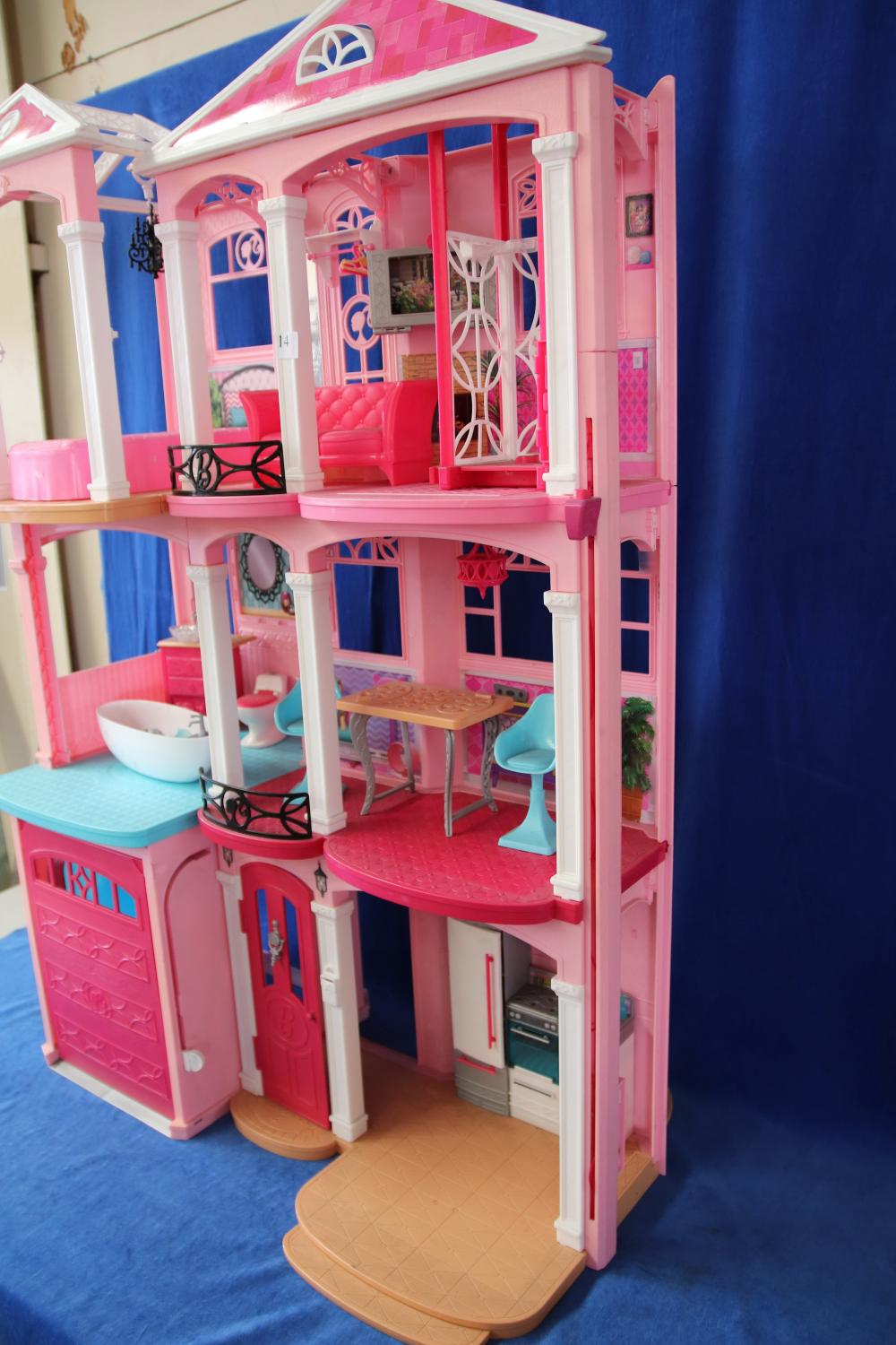 LARGE BARBIE MANSION AND ACCESSORIES
