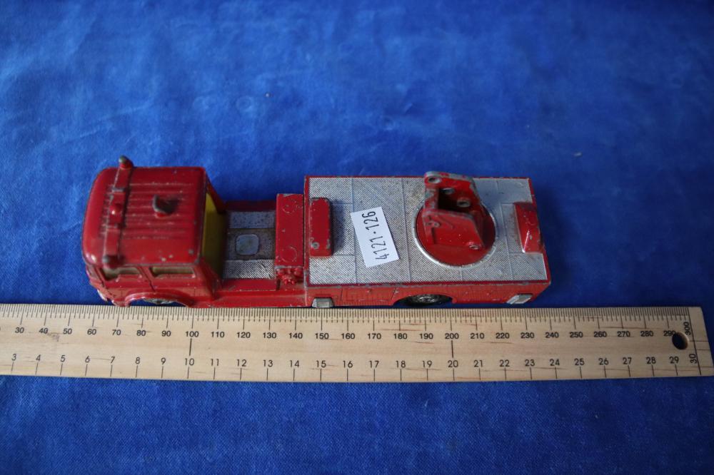 3 CORGI MODELS SIMON SNORKEL FIRE ENGINES AS FOUND (581)