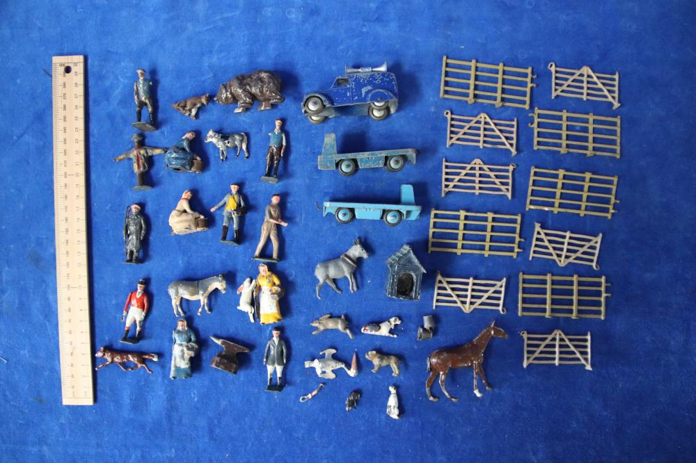 GROUP OF BRITAINS FARMYARD LEAD FIGURES AND ANIMALS INCL 3 X DINKY TOYS CAR