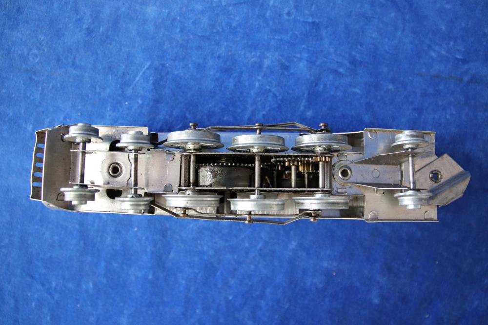 EARLY 1948 MAURALYN SILVER CHIEF O GAUGE TRAIN SET IN BOX TESTED RUNS, ALUMINIUM CLOCKWORK TRAIN, ORIGINAL BOX