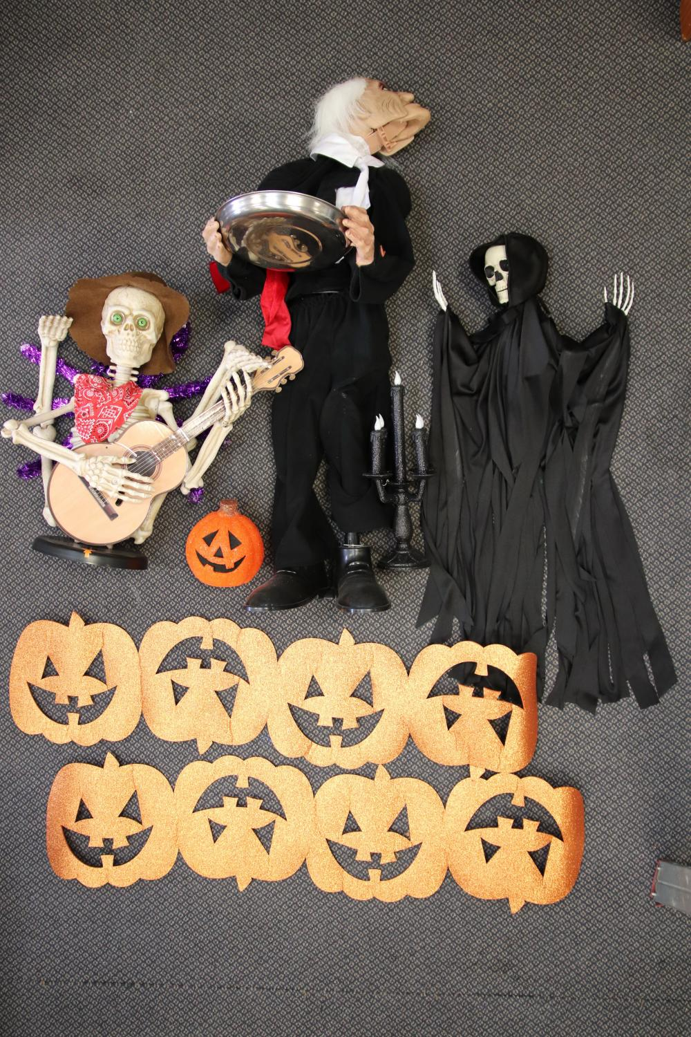 2 BOXES OF HALLOWEEN DECORATIONS INCL SCARY BUTLER & SKELETONS