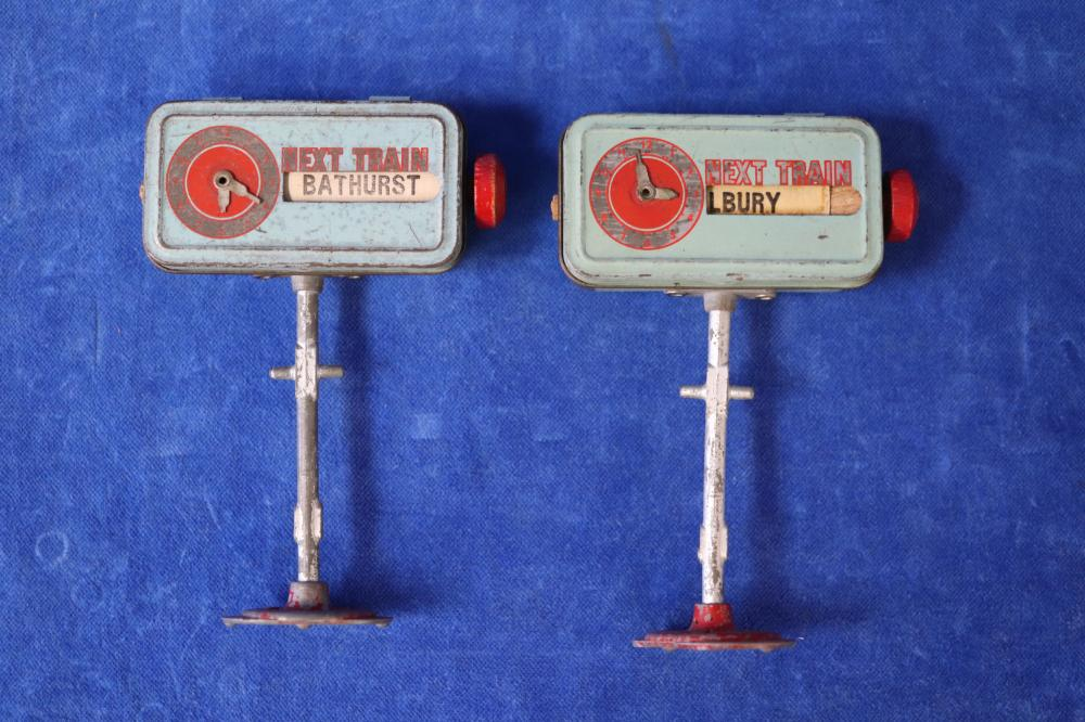 2 AUST O GAUGE F W STRONG BONNIE TOYS STATION INDICATORS