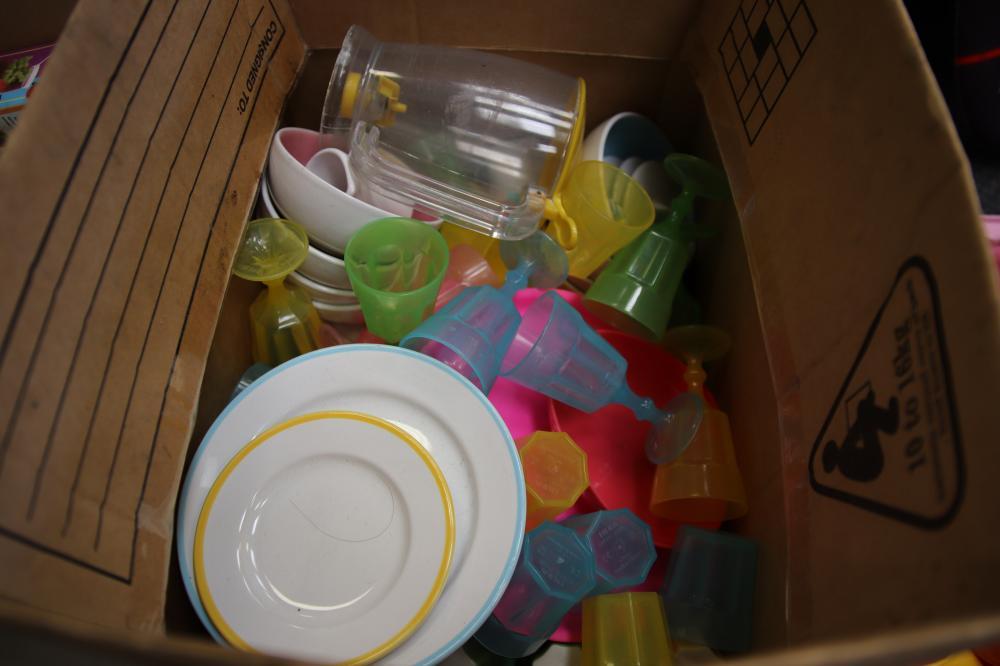 2 BOXES OF KIDS KITCHEN TOYS