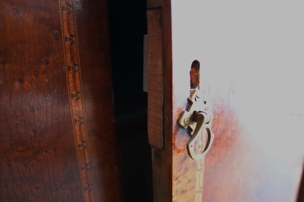 ART DECO BURR WALNUT WARDROBE