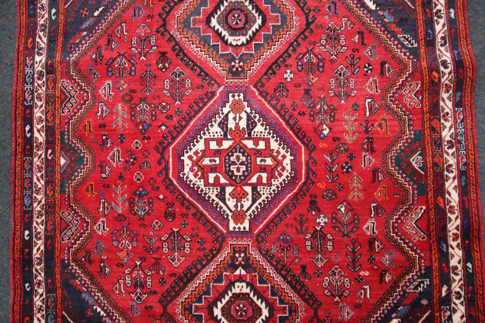 LARGE RED & CREAM HAND KNOTTED FLOOR RUG. 175CM W X 300CM L