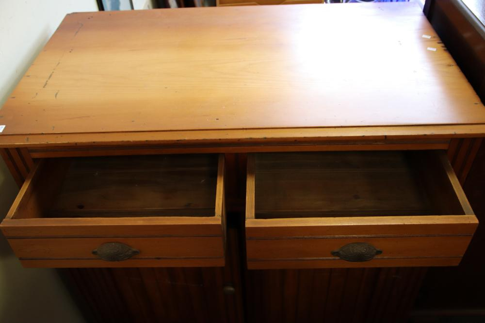 RIMU WOOD CHEST OF DRAWERS/ HUTCH BASE(MISSING INTERNAL BASE PIECE)