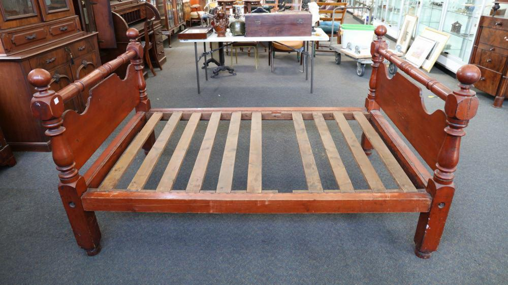 VIC PINE DOUBLE BED- FARMHOUSE COLONIAL