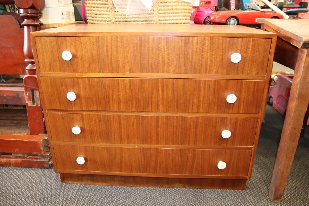 SET OF MID CENTURY MODERN DRAWERS (FEW MARKS TO THE TOP)