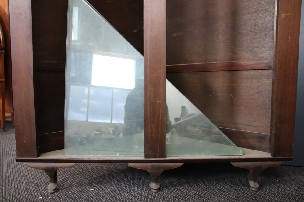 S/OAK CORNER CABINET WITH GLASS SHELVES