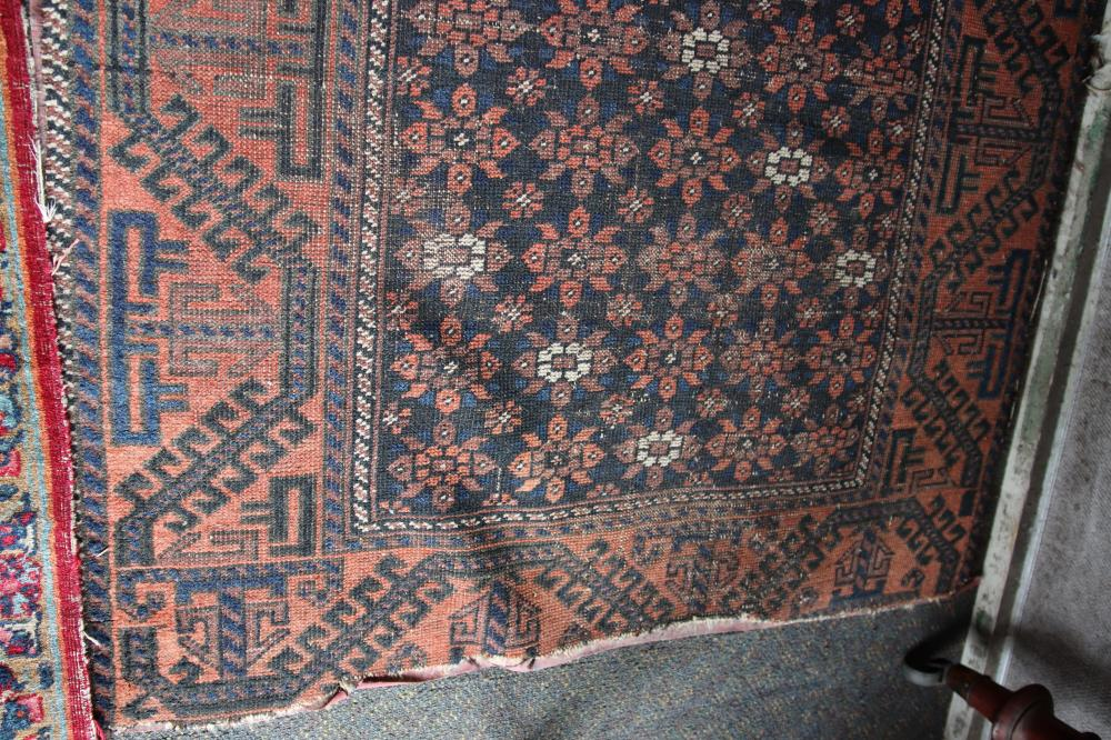 ANTIQUE HAND KNOTTED WOOL FLOOR KILIM, BROWN MEDALLION PATTERN, MEASURES 96CM X 130CM (WEAR AND FRAYED EDGES)