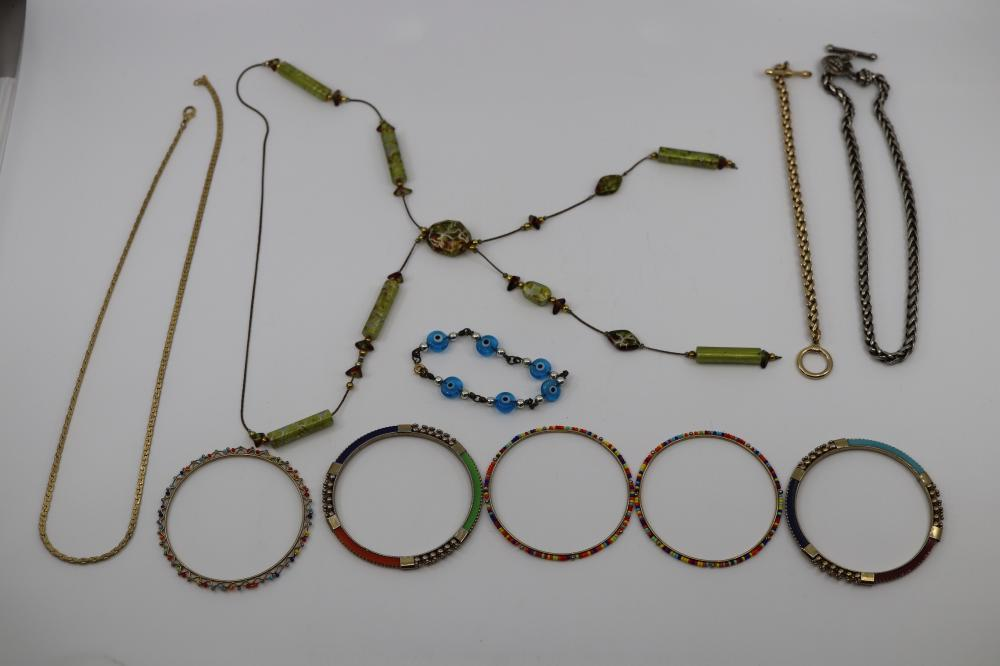 LOT OF ASSORTED COSTUME JEWELLERY INC BRACELETS AND NECKLACES
