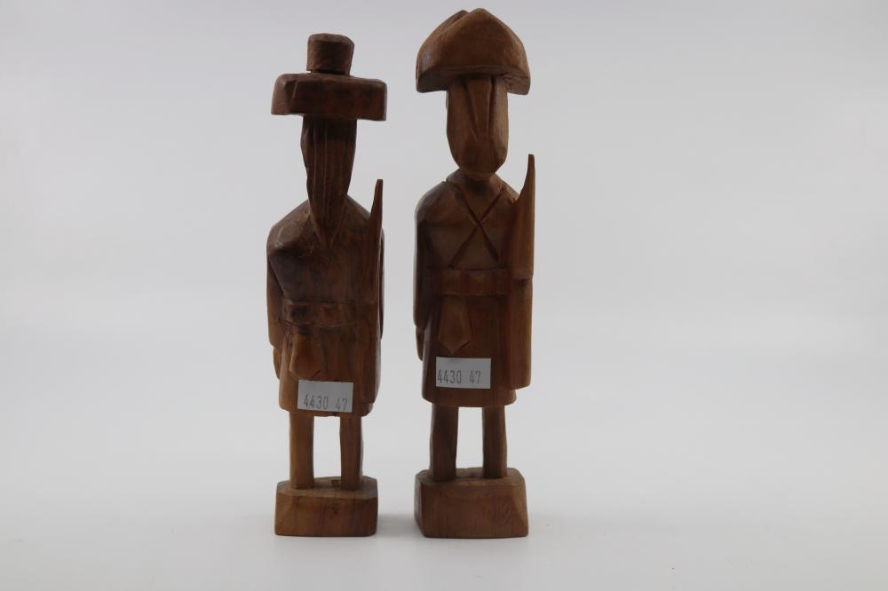 2 CARVED WOODEN FIGURES OF PERUVIAN FARMERS