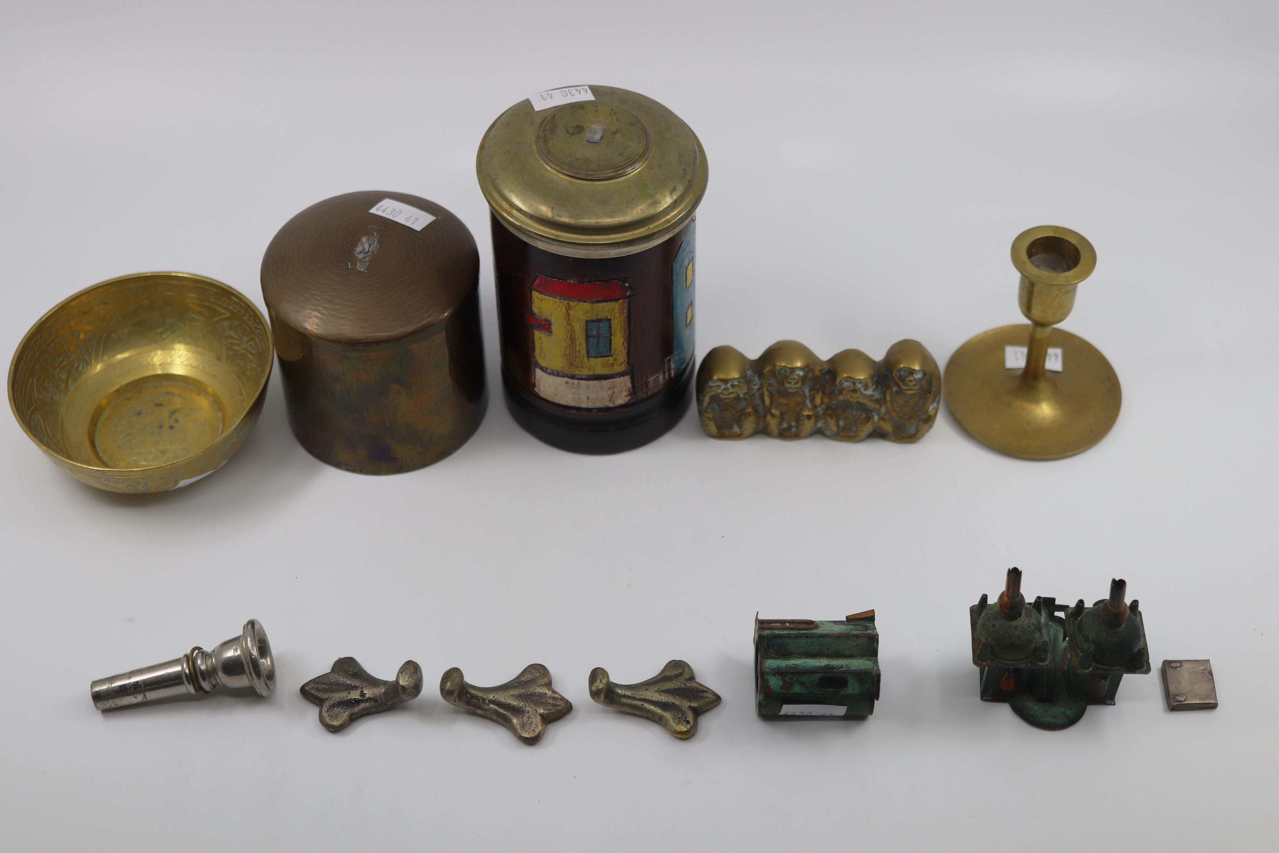 SMALL BRASS TRINKETS & ITEMS WITH A LIDDED CANISTER, SMALL PAINTED CHURCH, BOWL ETC