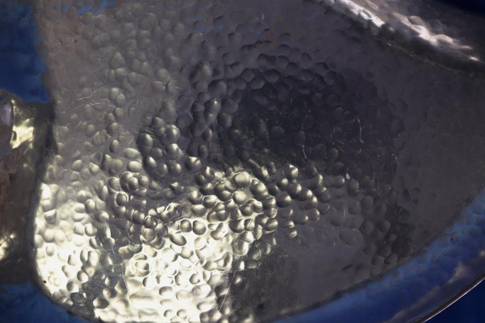 SILVERPLATED LEAF FORM DISH WITH WOODEN HANDLE